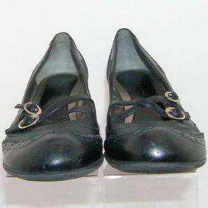 Bandolino Shoes - Bandolino Elandra black leather wingtip heels 8.5M
